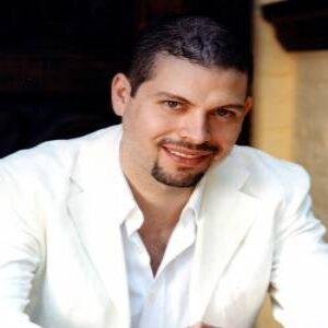 Profile photo of pianist-composer-altamirano